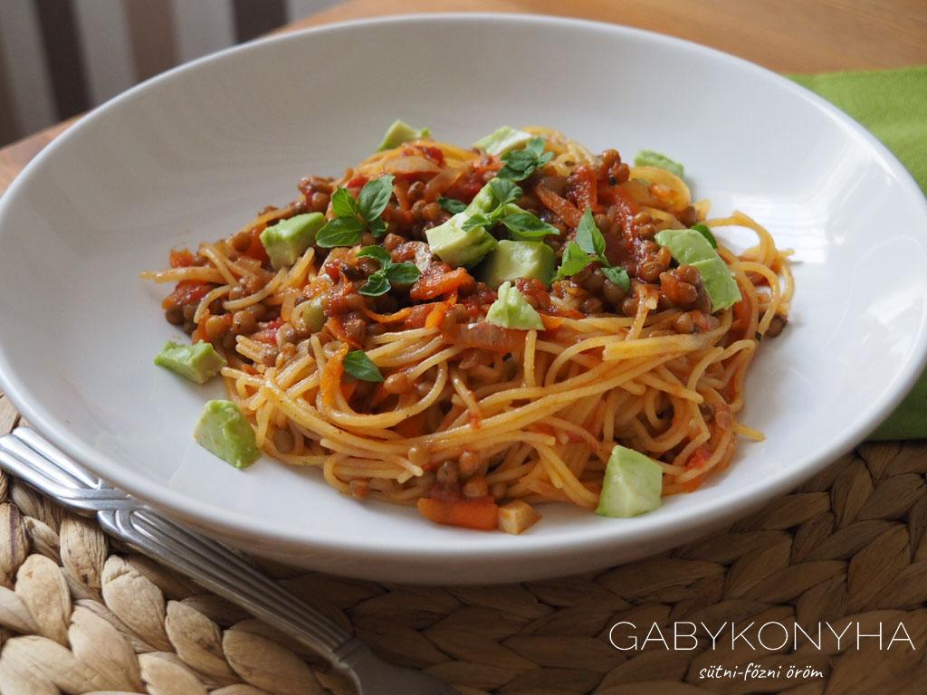 Vegán gluténmentes lencse bolognai glluténmentes spagetti
