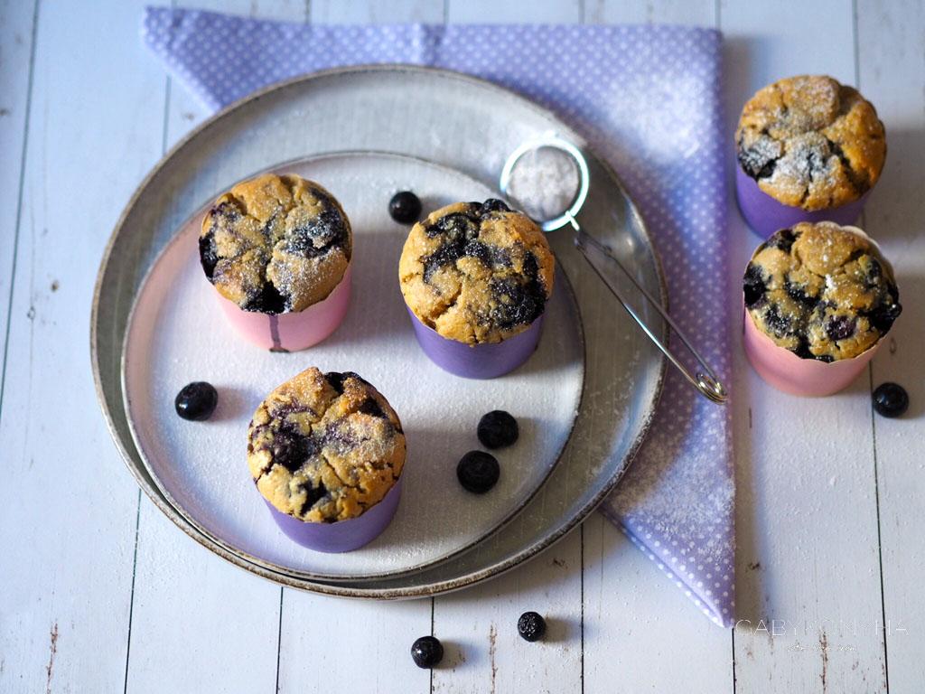 Vegán (növényi alapú) áfonyás muffin alakor lisztből