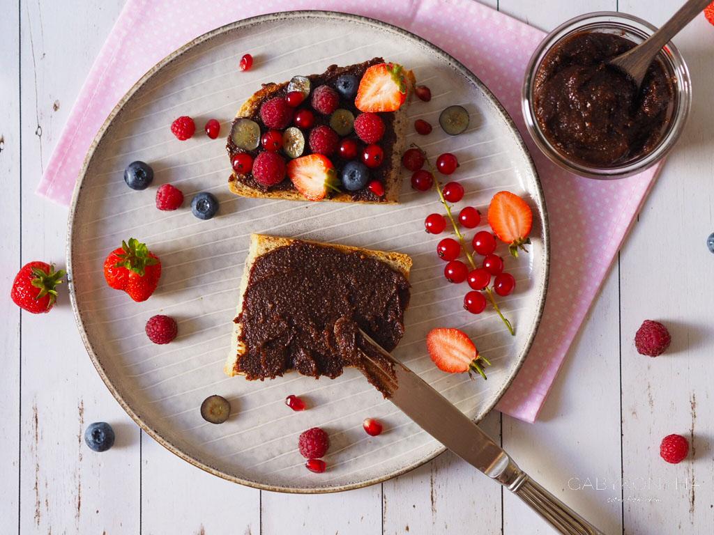 Gluténmentes vegán házi Nutella, azaz édes-kakaós törökmogyoró-vaj
