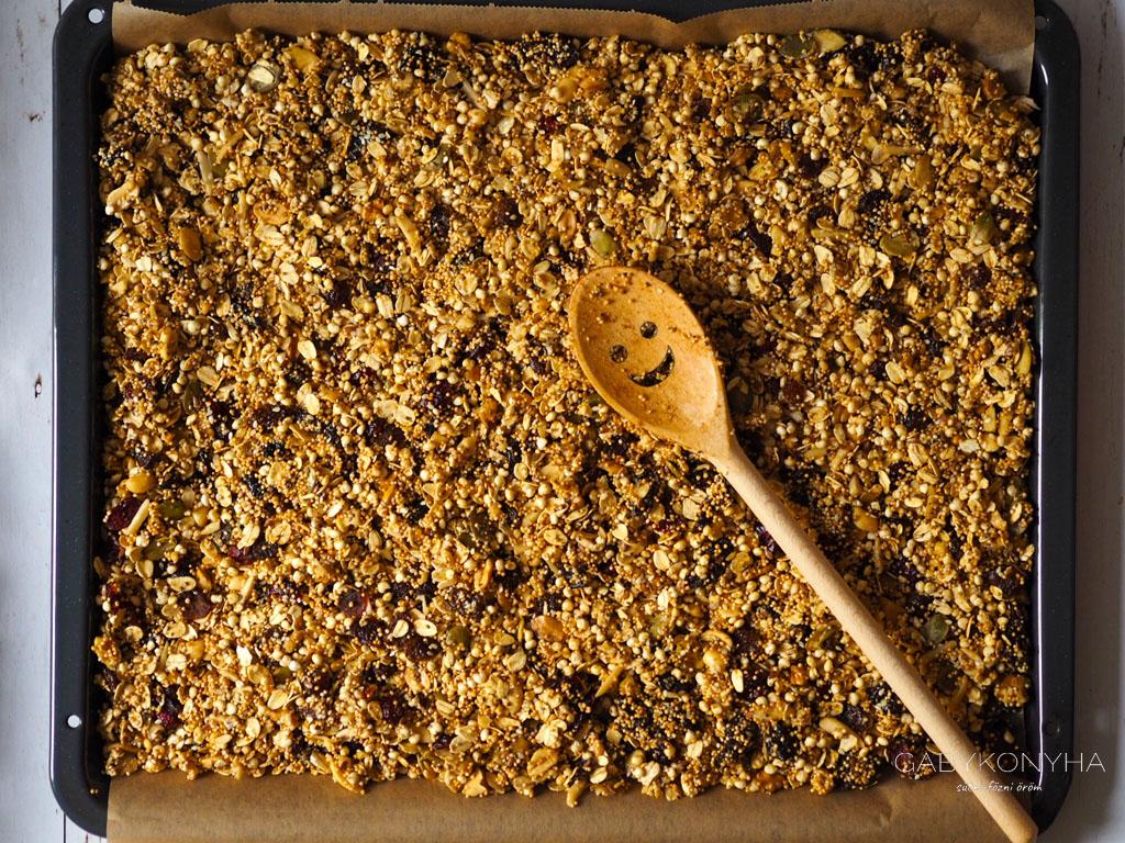 Gluténmentes vegán házi granola