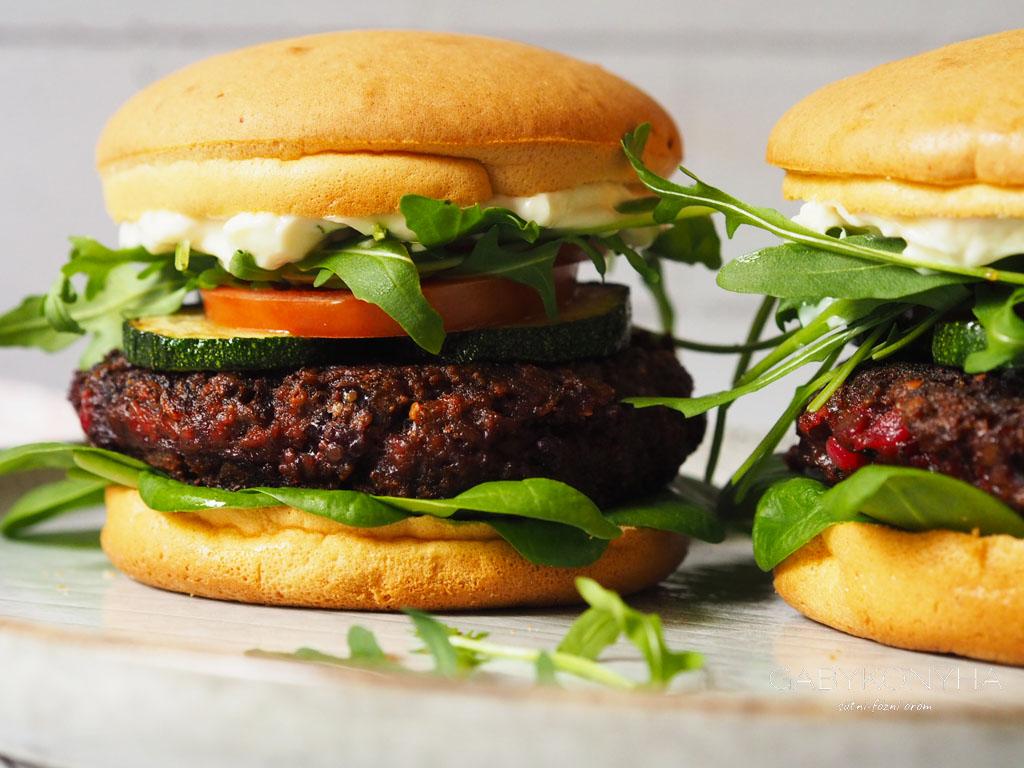 Gluténmentes vegán növéyni alapú céklás hamburger, céklaburger