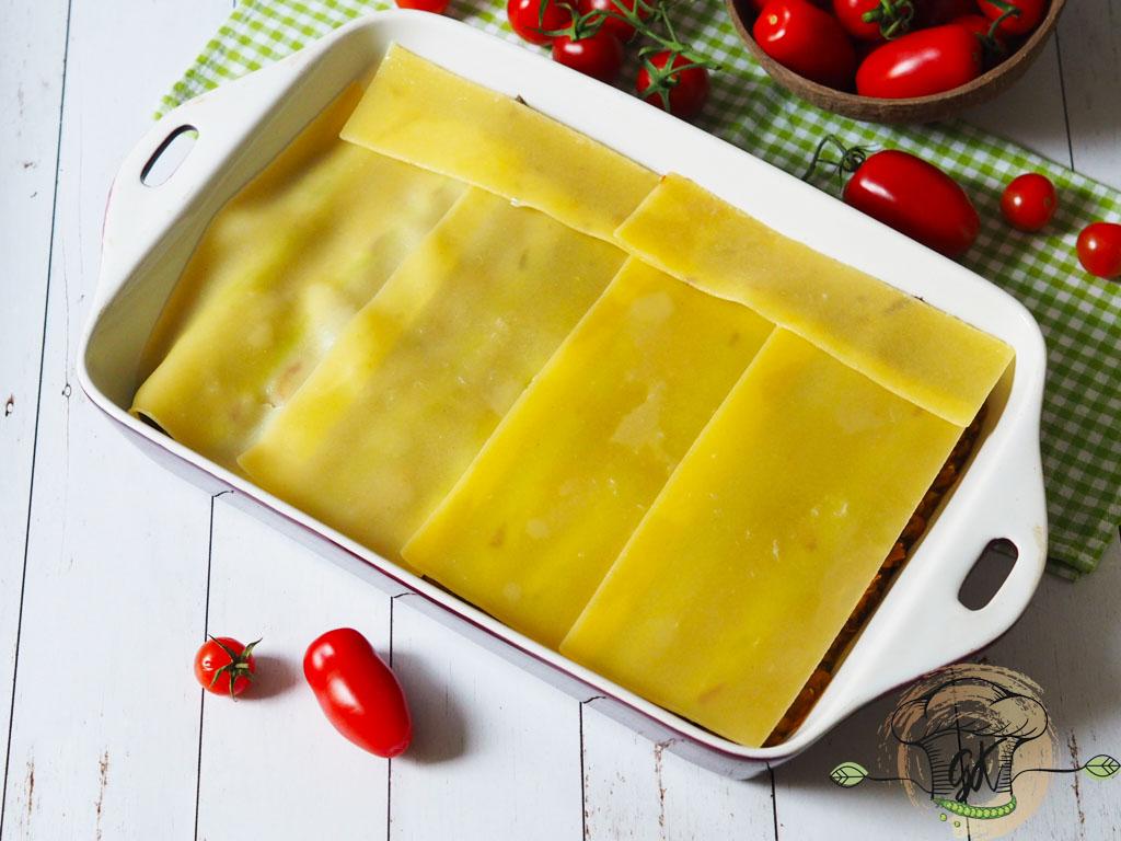 Gluténmentes vegán spárgás vöröslencse lasagne