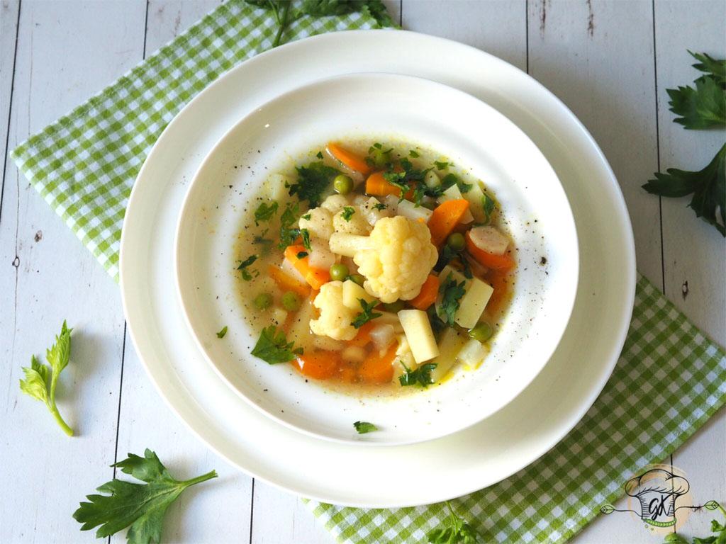 Gluténmentes vegán zöldségleves