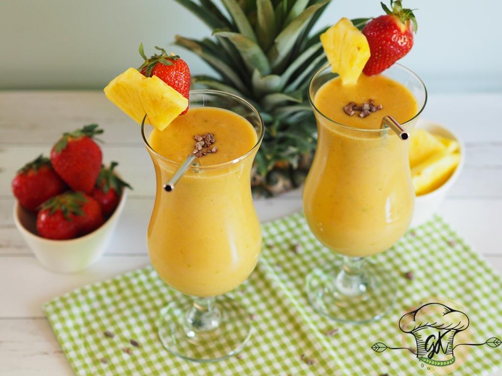 Gluténmentes vegán ananászos-gyömbéres turmix