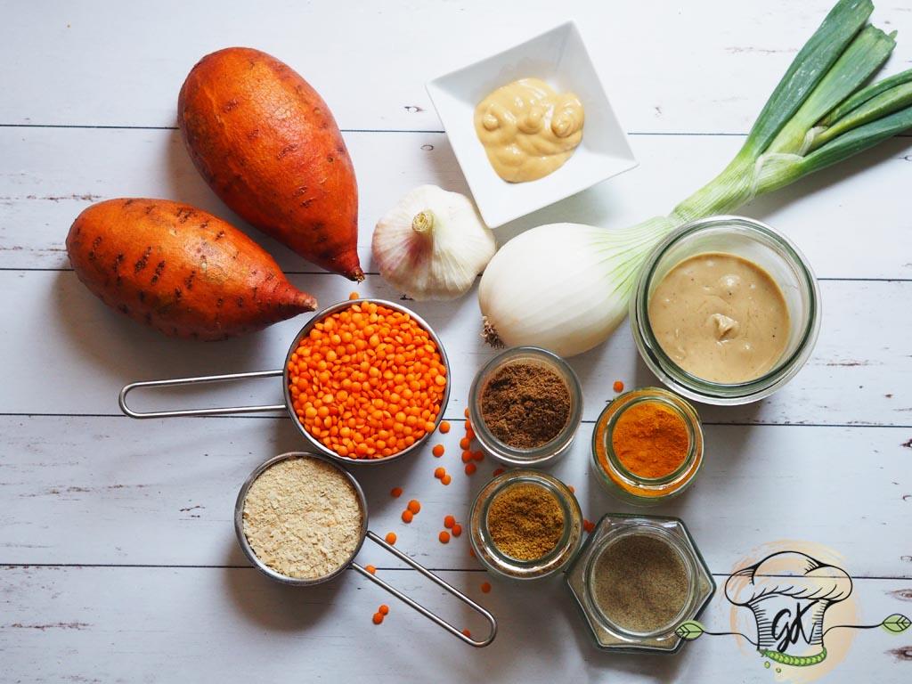 Gluténmentes vegán növényi alapú vöröslencsés-édesburgonyás tésztaszósz