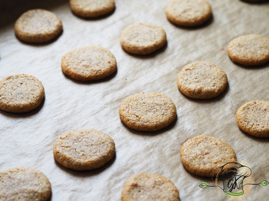 Gluténmentes vegán mandulás összeragasztós kekszek